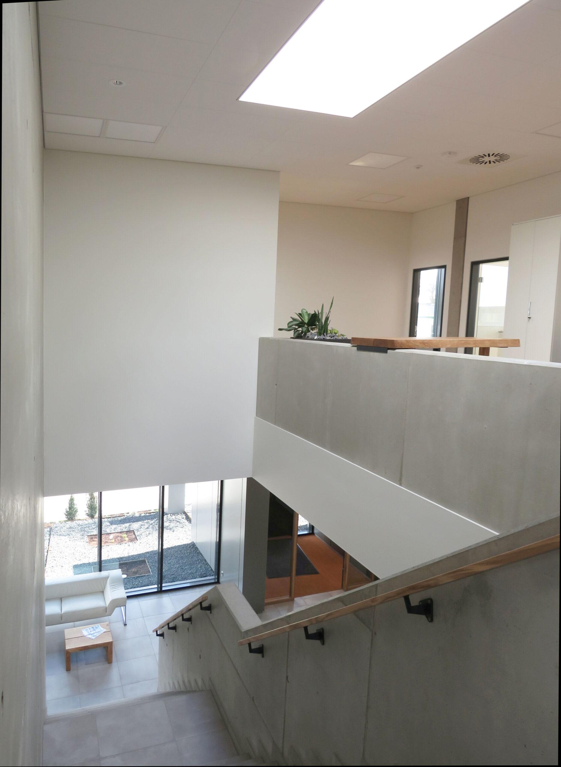 Kundenzentrum - Treppenhaus1b